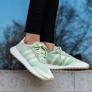 NWT Adidas Flashback sneakers mint